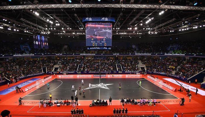 Futsal là gì? Sự khác biệt giữa bóng đá Futsal với bóng đá sân cỏ